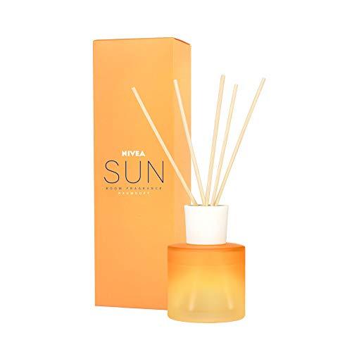 NIVEA Sun Raumduft, Duftstäbchen mit der bekannten Sun Sonnencreme-Note, zarte Raumduft Stäbchen im Milchglas-Behälter, 90 ml