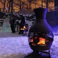 Terrassenofen Gartenkamin im Schnee